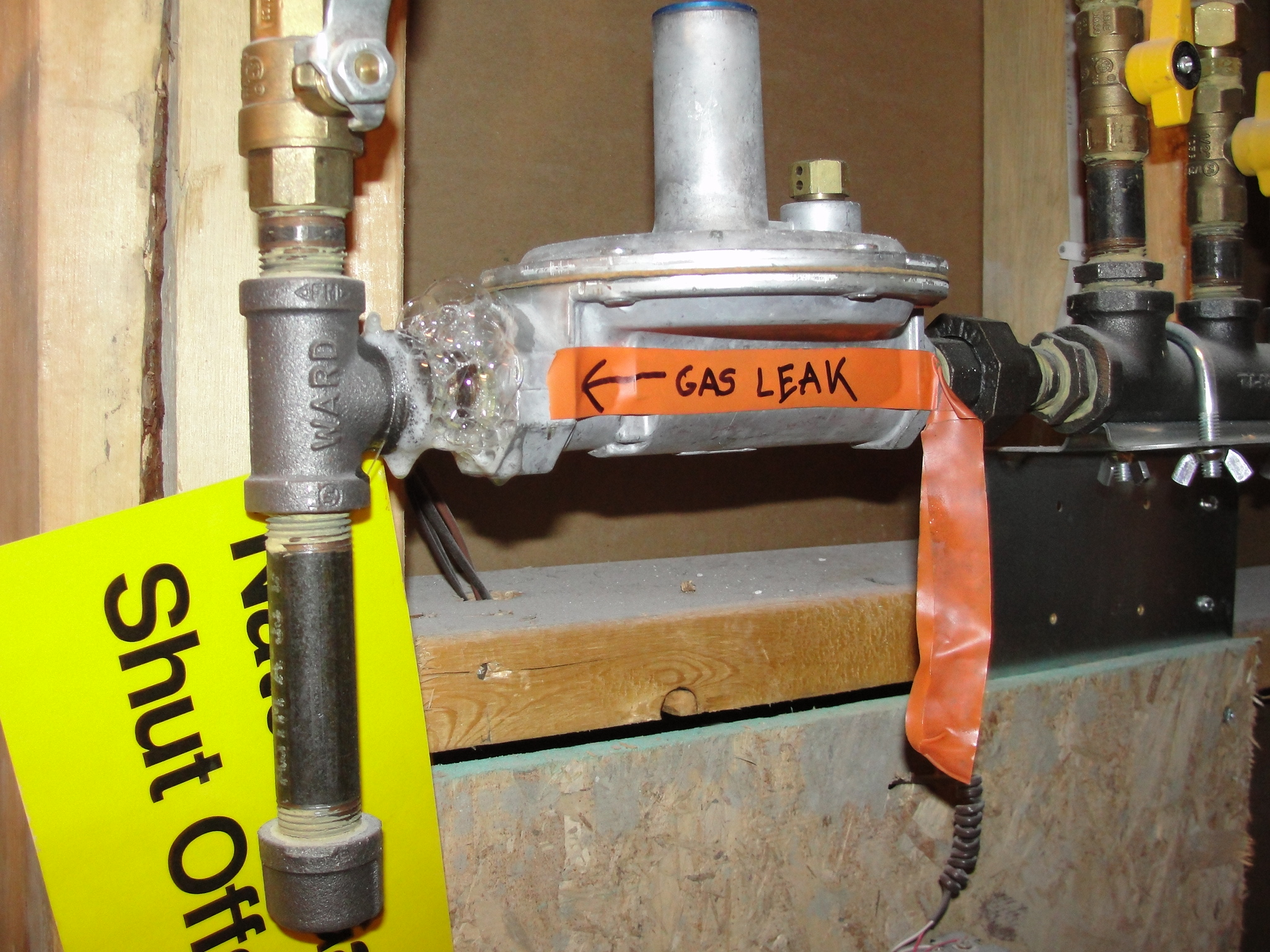 Ddiy dont do it yourself gas appliance repairs immediate appliance today with the diy craze going strong you may be tempted to attempt certain household repair projects by yourself and while were all for homeowner and solutioingenieria Images